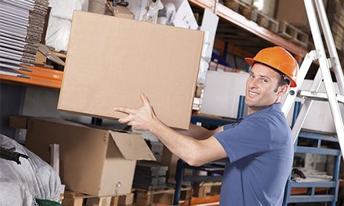 How do I qualify as a Manual Handling Trainer?